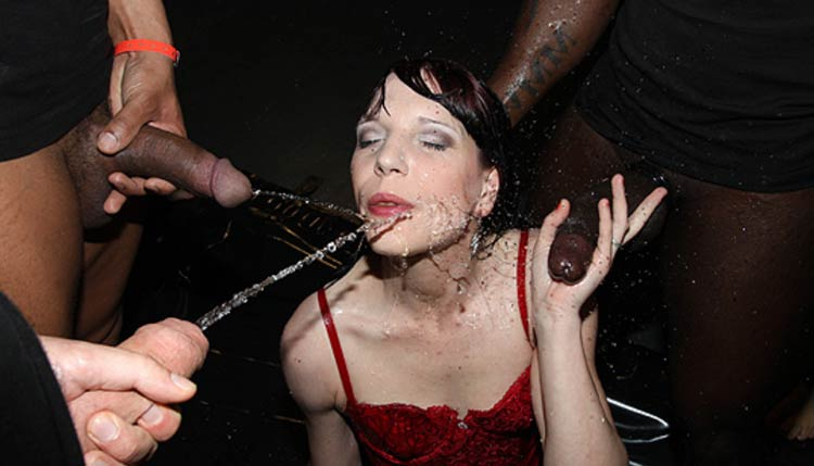 Good hd adult site with girls covered by pee